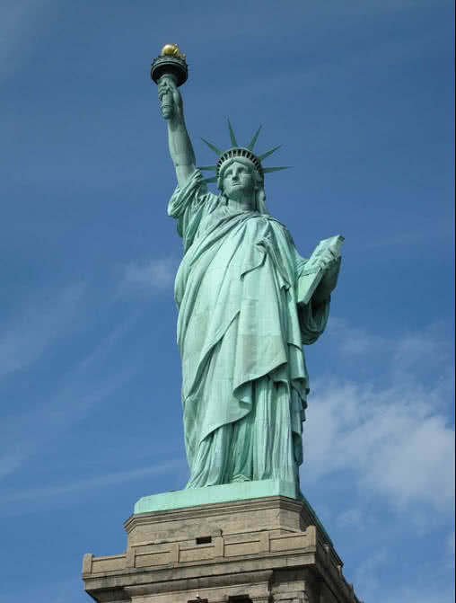 What Famous Statue Is Located In New York City S Harbor