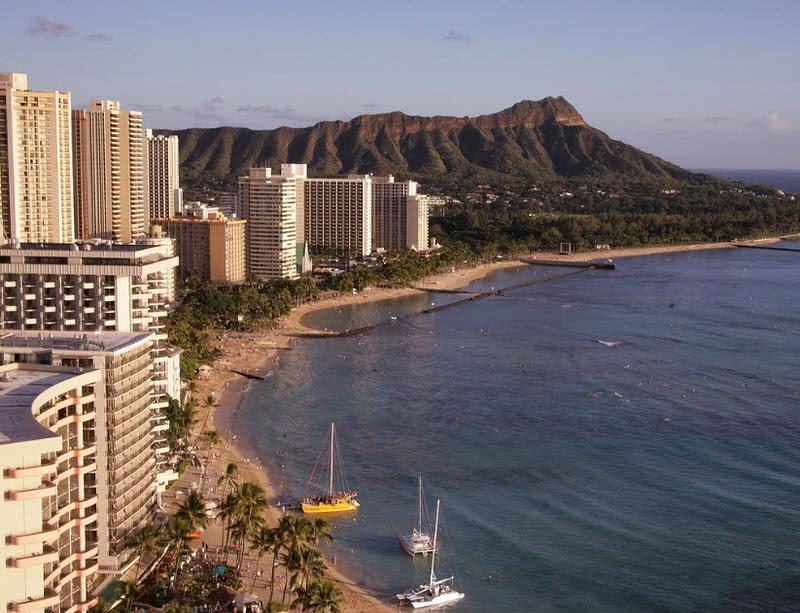 Waikiki Beach - بهترین شهرهای ساحلی دنیا