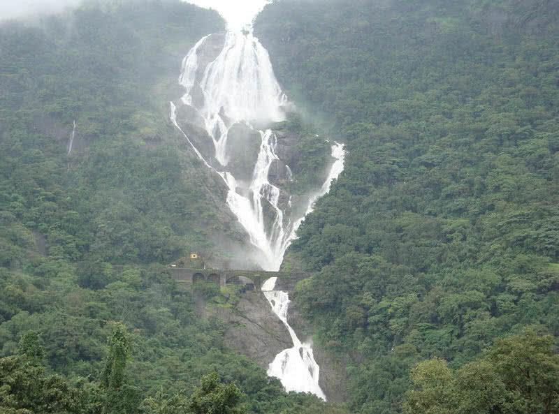 majestic dudhsagar falls in goa