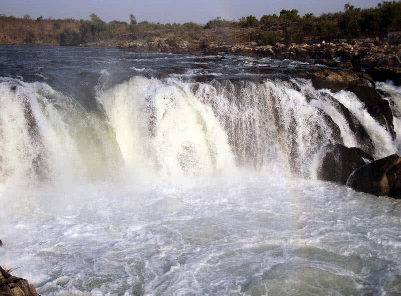 dhuandaar falls